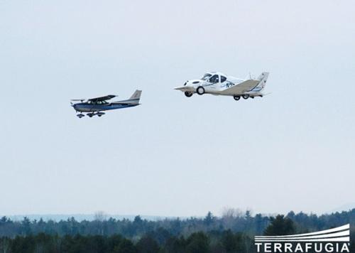 Flying Car The Terrafugia Transition 01